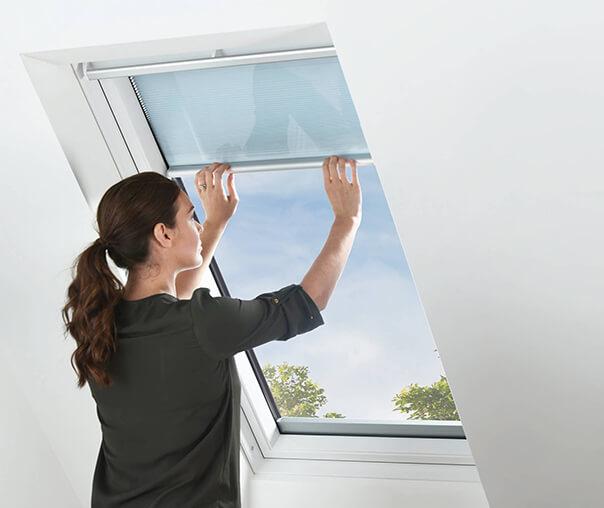 Okno z roletą międzyszybową